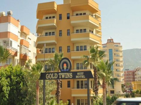Gold Twins Suit Hotel Image